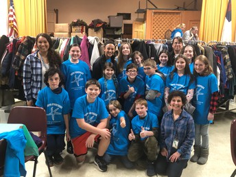Monomoy Middle School students volunteer with StreetReach