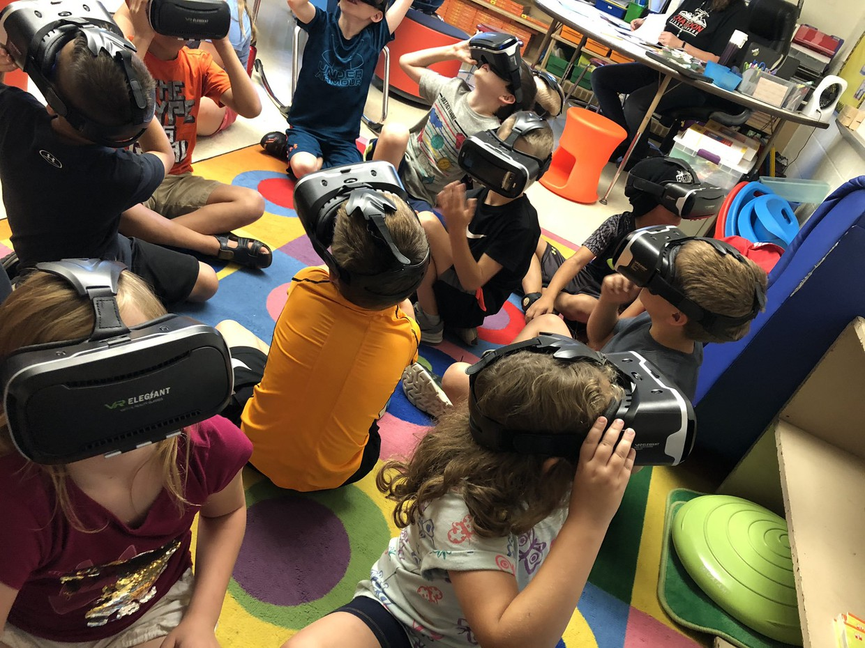 Munson Elementary Grade 3 Teacher Mrs. Michelle Burress' students take a virtual reality trip to Washington D.C. via Google Expeditions®.