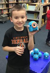 1st Grade - Dash and Dot robots
