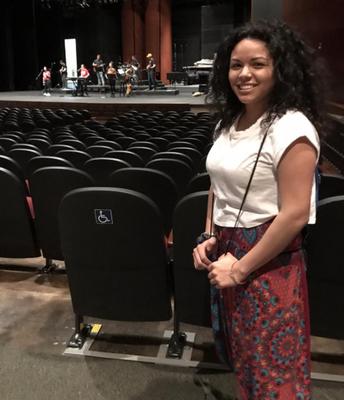 Yasenia Lopez, Scholarship Recipient