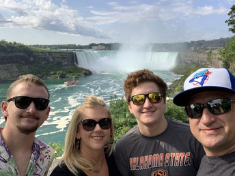 Niagara Falls (2019)