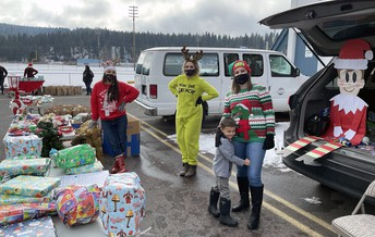 Chiloquin staff provide food and gifs to families