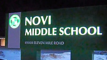 Picture of the Novi Middle School entrance sign