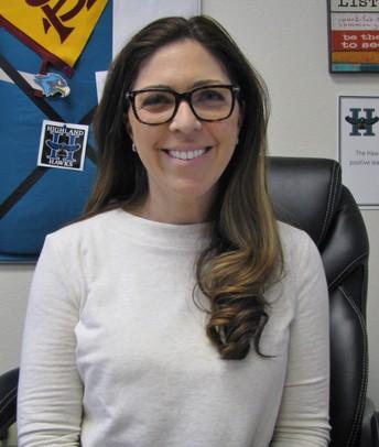 Dr. Lauren Harmon
