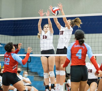 Lady Eagle Volleyball Hosts Bridgeport Friday