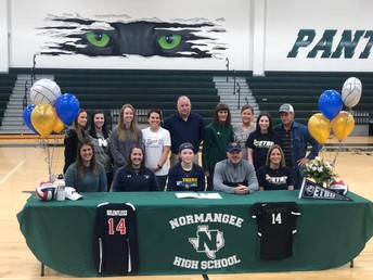 Kaylee Morton signs Letter of Intent to ETBU!