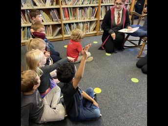 Sandscript Visits Kindergarten and 1st Grade Classrooms