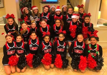 LCMS Cheerleaders Spreading Good Cheer!