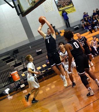 Bonham wins Farmersville Tournament