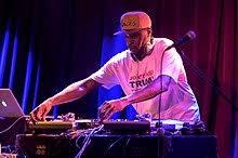 DJ419