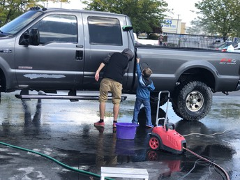 MHHS Students Working at The Car Wash!