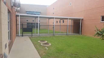 Fencing keeps walkway open, but outside access closed