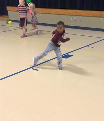 Kindergarten tossing!