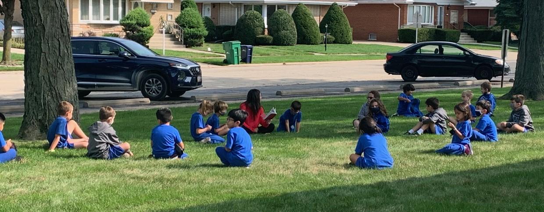 1t grade reading outside
