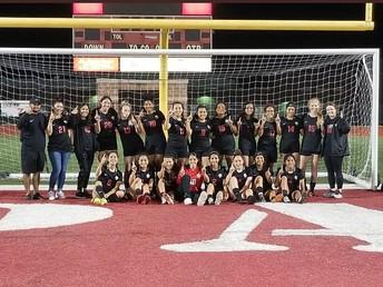 Lady Leopard Soccer Advances to Area!