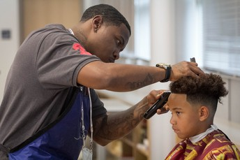 Barber Dave Demonstrates