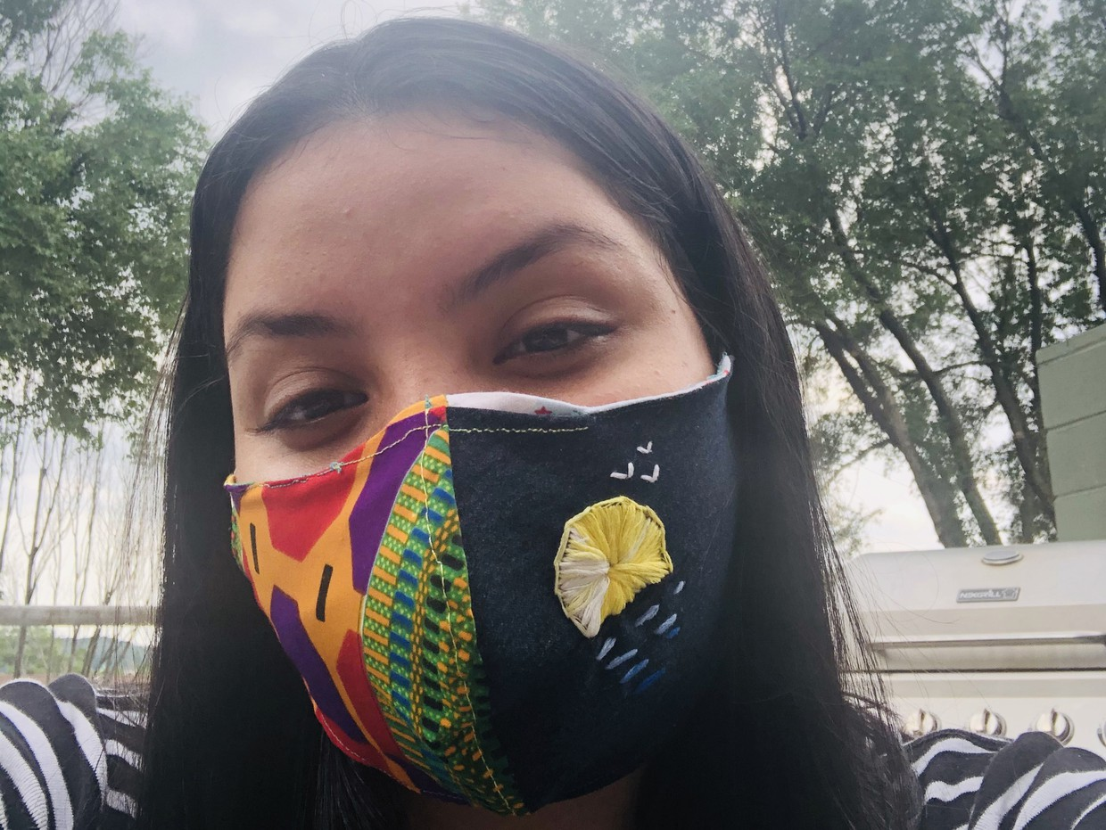 HPS Dean Campus student wearing her mask that she embroidered herself.