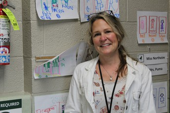 MUSTANG SPOTLIGHT - MRS. BERNADETTE OPPEDISANO, EDUCATIONAL AIDE AT MURASKI ELEMENTARY SCHOOL