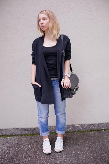 women- boyfriend jeans