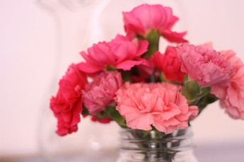 Seven Reasons You Should Fall In Love With Flowers Arrangements