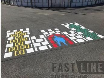 Main Yard Knight's Castle Hopscotch Race