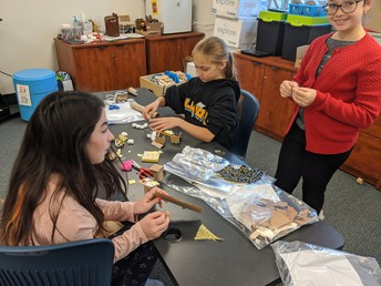 5th Grade Students Work in the STEM Innovation Lab