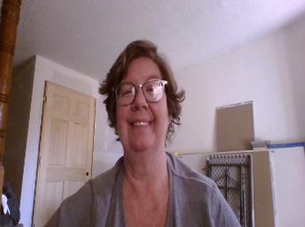 Mrs. Doherty - School Nurse / Sra. Doherty - Enfermera de la escuela