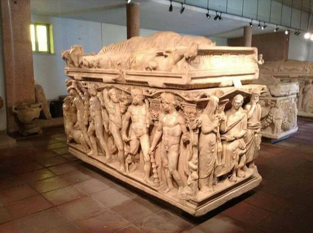 Herakles Sarcophagus (Konya Archeology Museum) As one of the most beautiful Roman sarcophagi found in Anatolia, the work was unearthed in 1958 in an excavation at  Yunuslar Village on the Konya-Beyşehir highway.