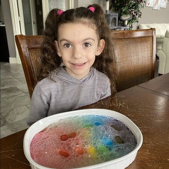 Isabella's fizzy ice cubes