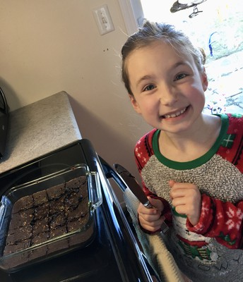 Kyrii making yummy brownies