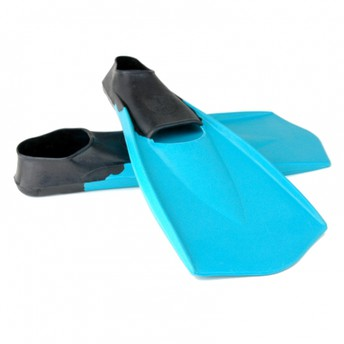 Yes Real Swimmers Use Fins by Coach Leslie Scott