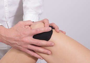 Prompt Therapy for Slight Aches and Pains Assists Your Knees to Stay Strong for Life