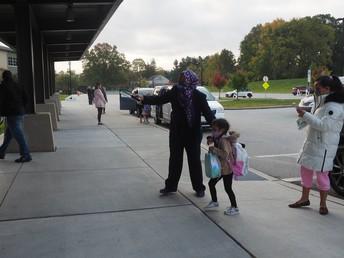 Dr. Dawan welcoming kindergarten students!