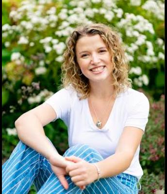 Chloe W. (Senior)