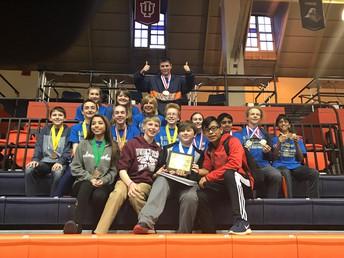 Las Escuelas Intermedias Ganan Medallas en las Competencias Regionales de la Olimpiada de Ciencias