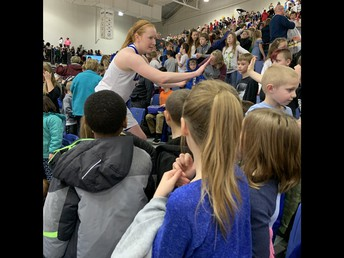 2nd Graders Helped Pack the Knapp