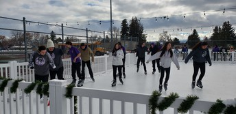 MHHS Students at Ice Rink