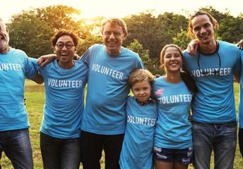 Volunteers to Work the Race