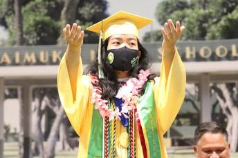 Alumni turn their tassels!