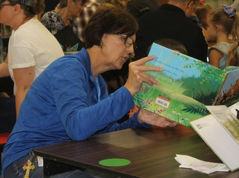 Volunteers sought for Oct. Breakfast Buddies event