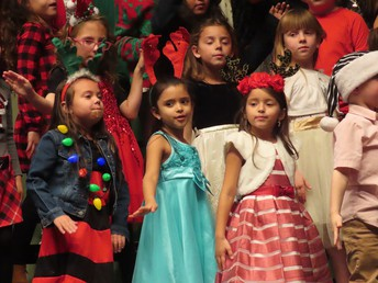 Wilson holiday concert for parents