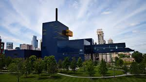 5th Grade Students Visit The Guthrie Theater