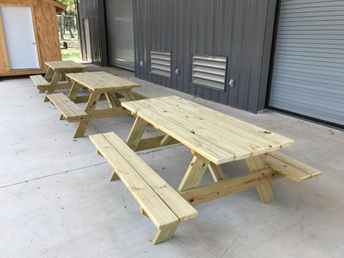Construction Students Build Picnic Tables