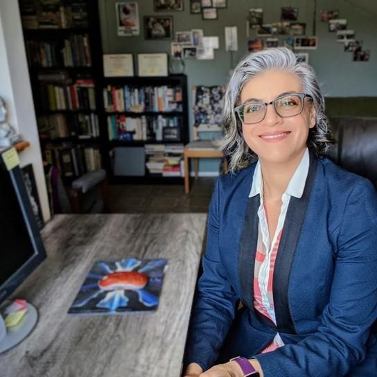 Esther Dabagyan profile pic