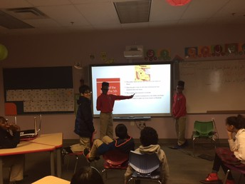 2 students are doing a presentation about the battle of the Ditch.
