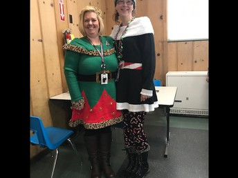 Parapro's Ms. Stephanie & Ms. Veronica getting into some Christmas spirit!