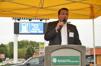 Mayor of Burlington, Steve Sexton, Speaks to Career Exploration Students
