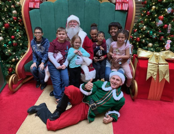 Deaf & hard of hearing class sees signing Santa