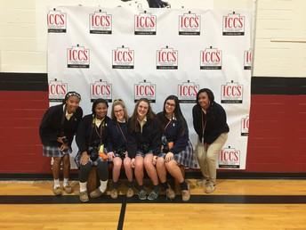 Yearbook Students Volunteer at ICCS