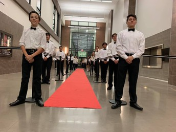 Braswell HS Band serves dinner to parents